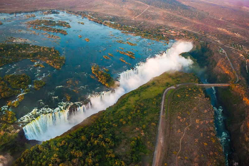 Days 8-9 - The Victoria Falls - one of the Seven Natural Wonders of the World