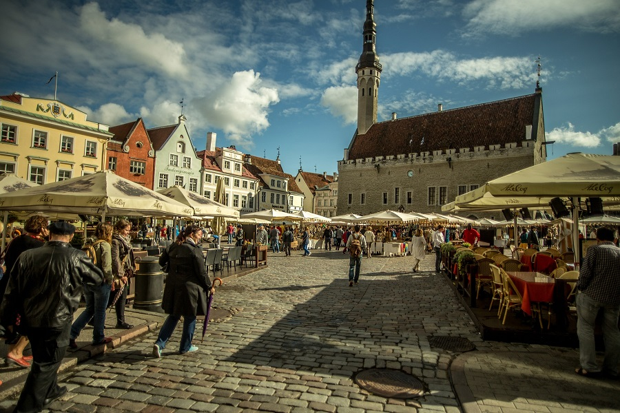 Tallin Town Hall Square